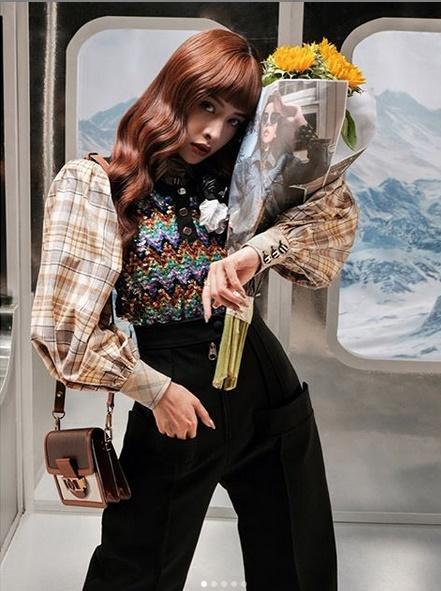Chi Pu - Châu Bùi ăn đứt sao Hàn khi cùng diện thiết kế của Louis Vuitton-2
