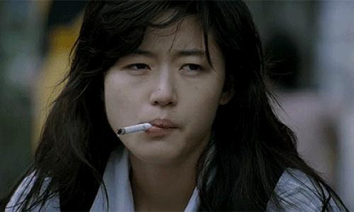 9 nữ diễn viên Hàn từng hy sinh thân mình, học hút thuốc để đóng phim: Son Ye Jin, Suzy, Nana gây sốc nhất-2