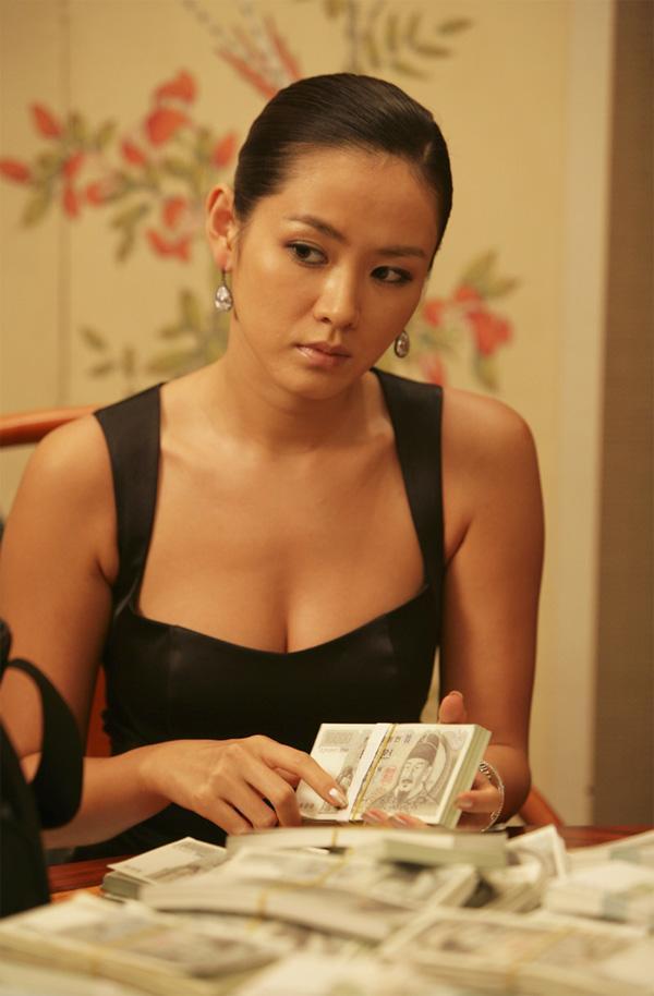 9 nữ diễn viên Hàn từng hy sinh thân mình, học hút thuốc để đóng phim: Son Ye Jin, Suzy, Nana gây sốc nhất-3
