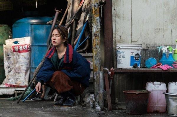 9 nữ diễn viên Hàn từng hy sinh thân mình, học hút thuốc để đóng phim: Son Ye Jin, Suzy, Nana gây sốc nhất-5