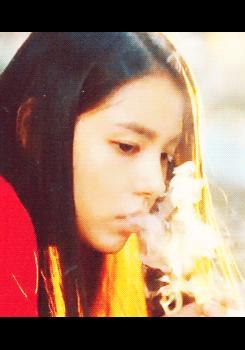 9 nữ diễn viên Hàn từng hy sinh thân mình, học hút thuốc để đóng phim: Son Ye Jin, Suzy, Nana gây sốc nhất-8