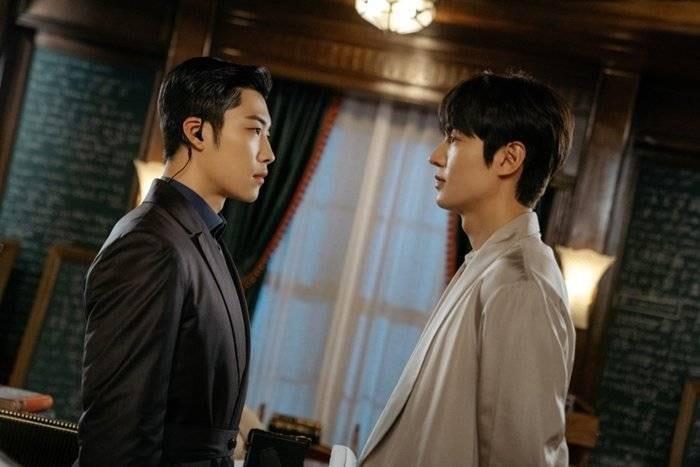 Cận vệ thân mật với Lee Min Ho trong Quân vương bất diệt từng đóng phim 19+-3