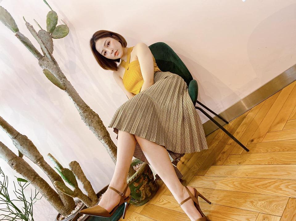 Hot girl Trâm Anh khoe clip nhảy sexy - Anh 3
