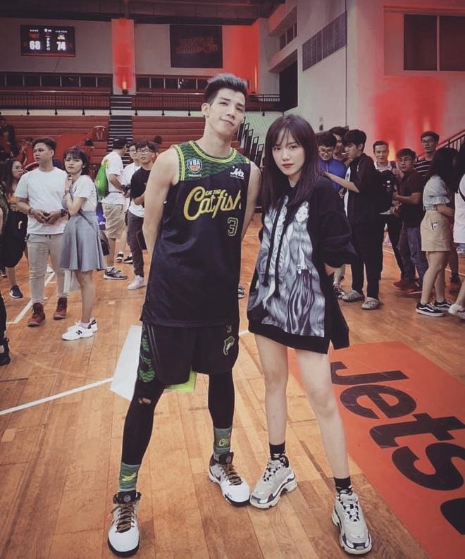 Gia thế khủng của hot boy bóng rổ yêu Mẫn Tiên: Chủ tịch HĐQT, lại còn có 2 anh song sinh giỏi giang không kém-5