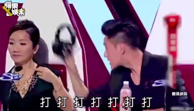 VZN News: Trần Khôn giận tím mặt, ném tai nghe khi bị Tạ Đình Phong chửi ngay trên truyền hình-2