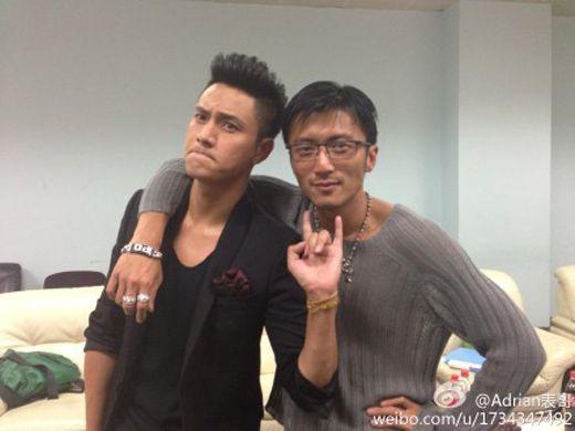 VZN News: Trần Khôn giận tím mặt, ném tai nghe khi bị Tạ Đình Phong chửi ngay trên truyền hình-3