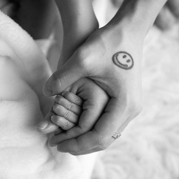 Sinh con mới được 5 ngày, ái nữ nhà đại gia Minh Nhựa khoe nhan sắc đáng ghen tị-2