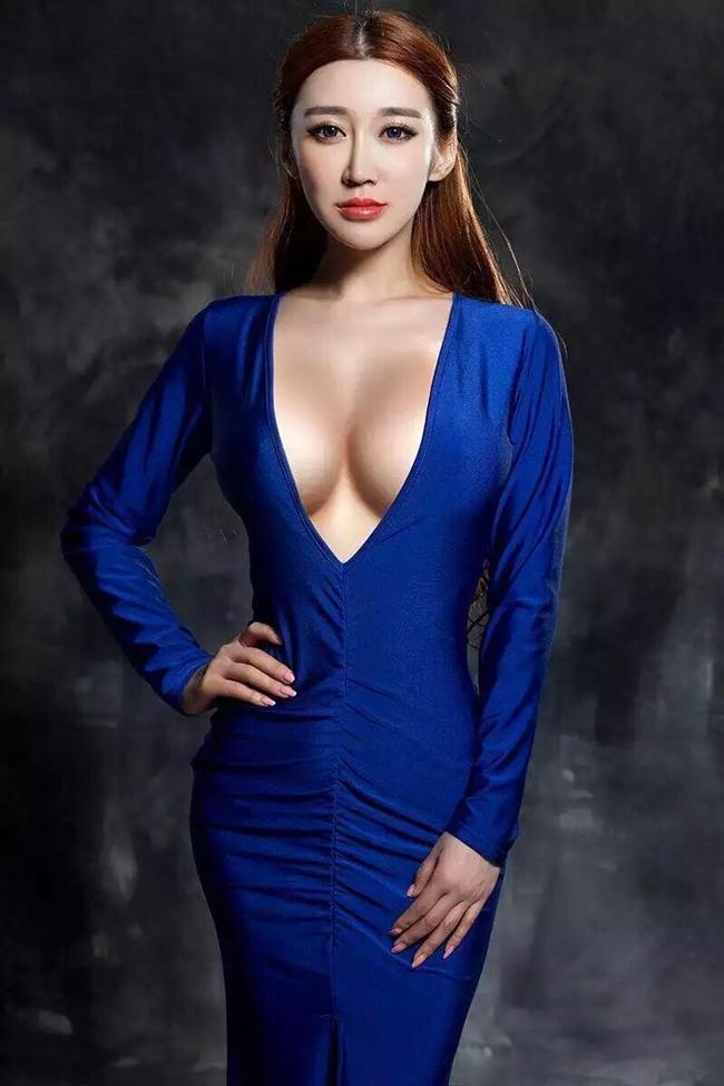 Hotgirl mạng khoe ngực khủng trong Tân Ỷ Thiên Đồ Long Ký là ai?-11