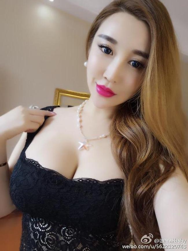 Hotgirl mạng khoe ngực khủng trong Tân Ỷ Thiên Đồ Long Ký là ai?-10