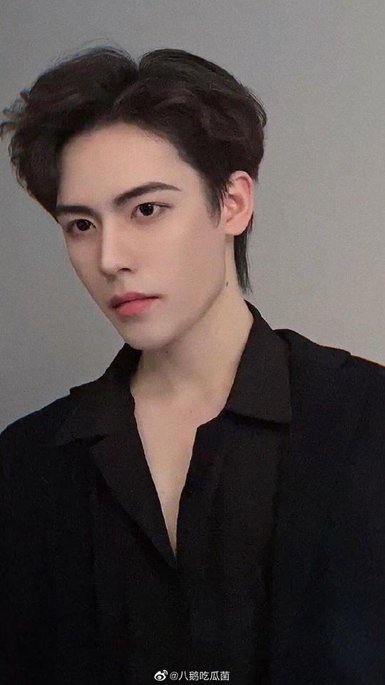 Hot boy Trung Quốc khẳng định đẹp tự nhiên khi bị tố lạm dụng filter-2