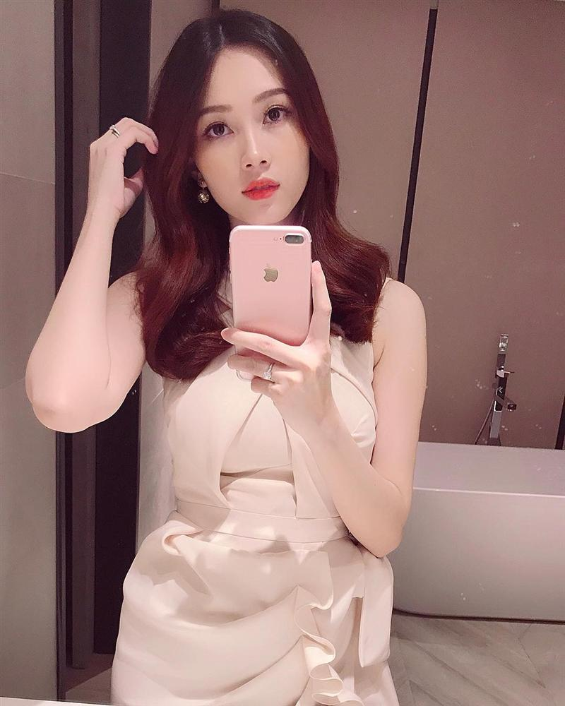 2 lần mang thai vượt mặt, hoa hậu Đặng Thu Thảo sở hữu nhan sắc xuất sắc vạn mẹ bầu mê-13