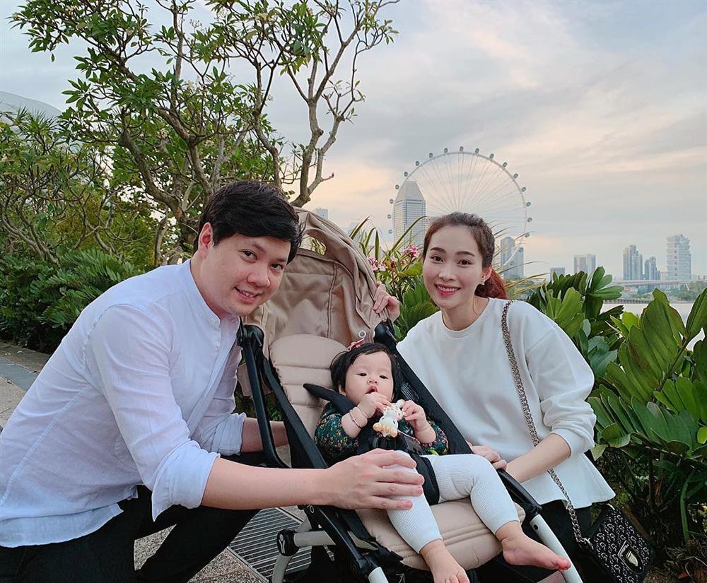 2 lần mang thai vượt mặt, hoa hậu Đặng Thu Thảo sở hữu nhan sắc xuất sắc vạn mẹ bầu mê-10