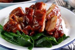 Cách ướp và chế biến thịt gà sốt xì dầu