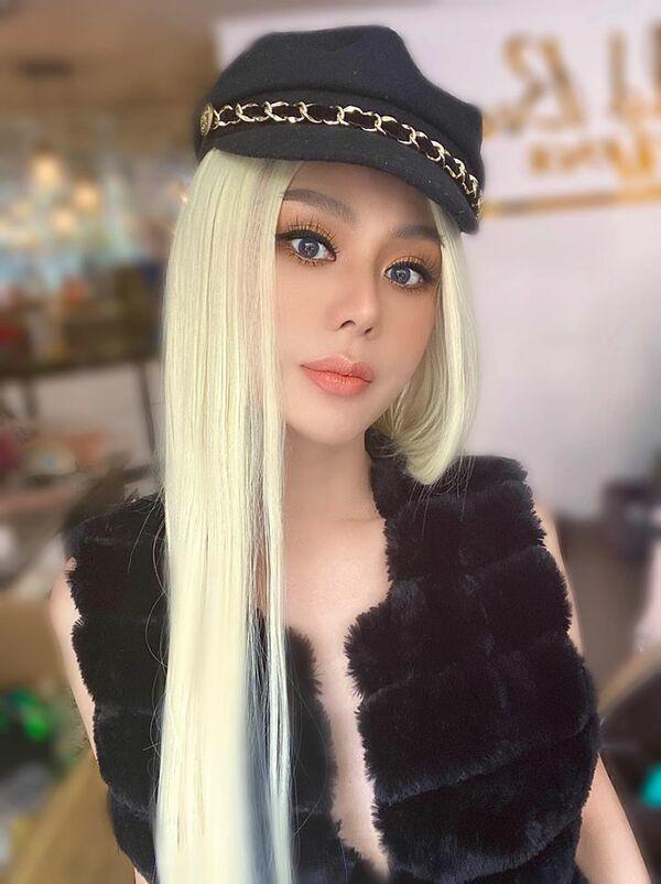 Lâm Khánh Chi bất ngờ nổi loạn với tóc bạch kim ở tuổi 43-3