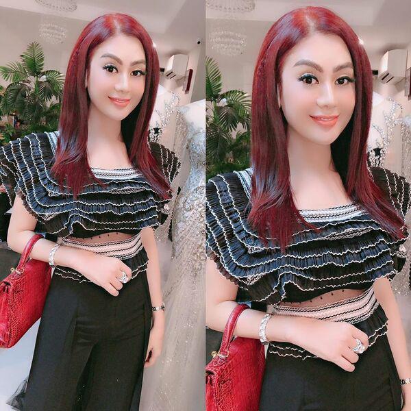 Lâm Khánh Chi bất ngờ nổi loạn với tóc bạch kim ở tuổi 43-5