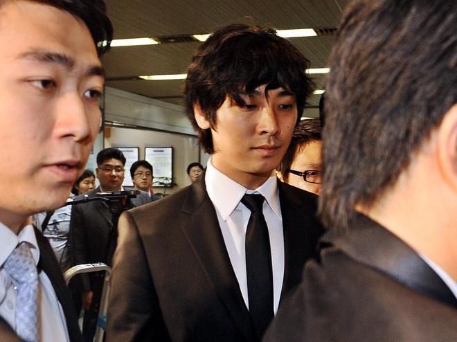 Loạt sao Hàn tù tội, trốn nhập ngũ nhưng vẫn được tha thứ-5