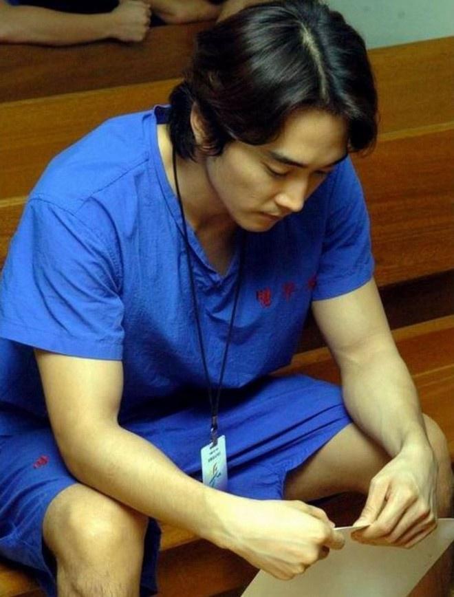 Loạt sao Hàn tù tội, trốn nhập ngũ nhưng vẫn được tha thứ-8