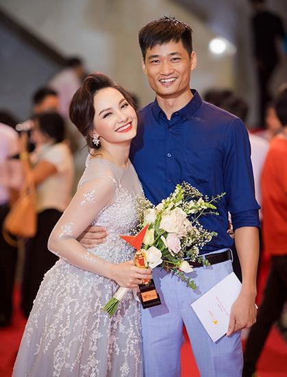 Bảo Thanh bị dân mạng la ó về clip tát chồng bôm bốp-2