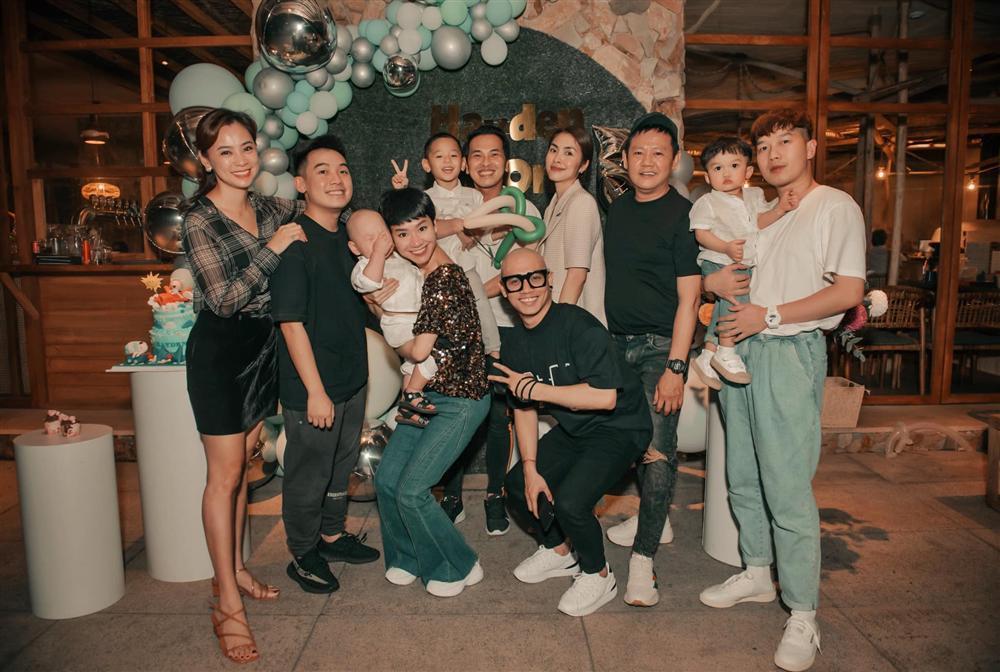 Tăng Thanh Hà dự sinh nhật con trai Trà My Idol, nhan sắc ngọc nữ gây chú ý còn hơn quý tử-1