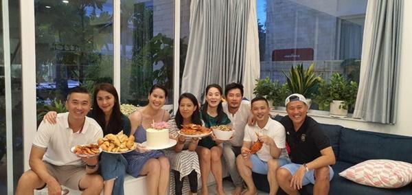 Tăng Thanh Hà dự sinh nhật con trai Trà My Idol, nhan sắc ngọc nữ gây chú ý còn hơn quý tử-3