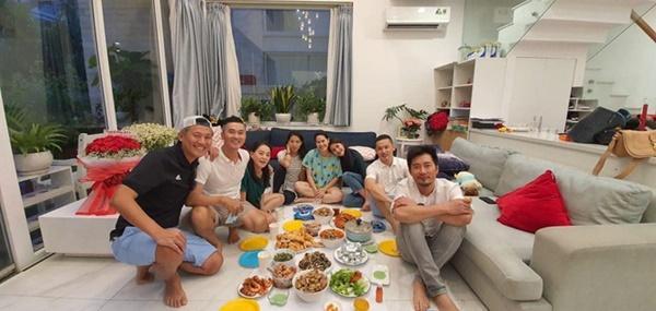 Tăng Thanh Hà dự sinh nhật con trai Trà My Idol, nhan sắc ngọc nữ gây chú ý còn hơn quý tử-4