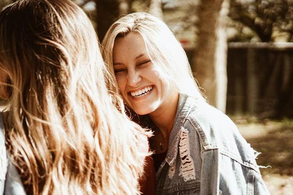 Khi buồn, hãy tìm đến những chòm sao sau, bạn chắc chắn sẽ mỉm cười-1