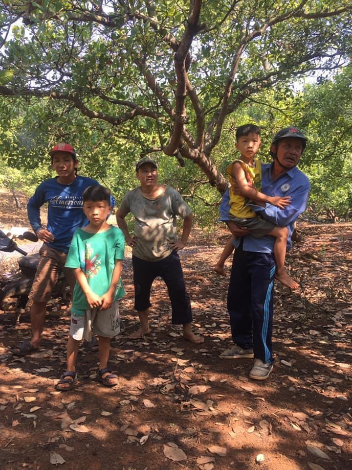Truy tìm người đàn ông nghi liên quan đến vụ 2 bé trai sinh đôi mất tích trong vườn điều Bình Phước-1
