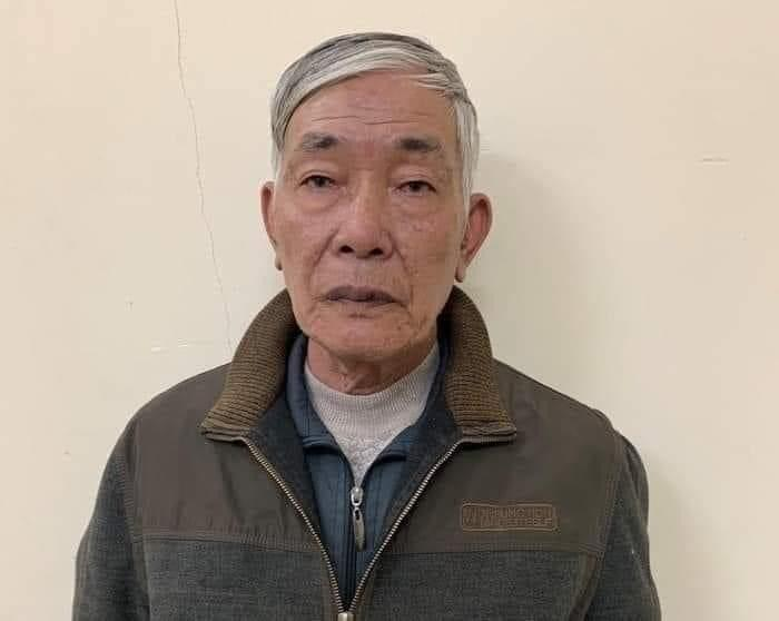 Ông già U70 bế bé gái 7 tuổi vào nhà vệ sinh để hiếp dâm-1