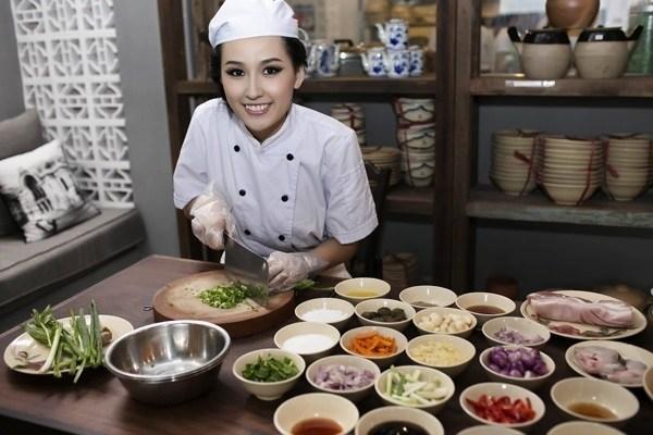 Đâu chỉ Lý Quí Khánh, nhiều sao Việt cũng bị chê bán đồ ăn giá đắt cắt cổ-7