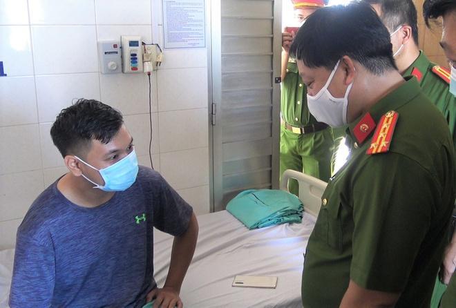 31 lính cứu hỏa bị axit văng vào người, mắt trong vụ cháy khu chế xuất-1