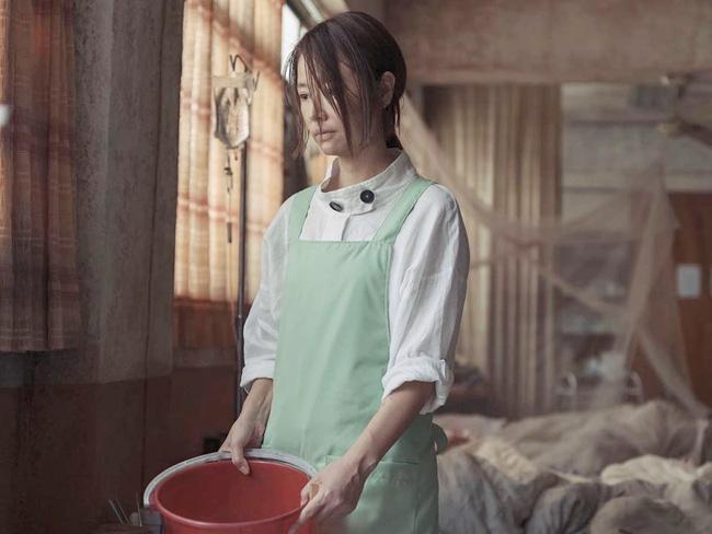 Tự đăng ảnh quảng bá phim, Lâm Tâm Như ê chề vì nhan sắc xuống cấp, làn da chảy xệ-4