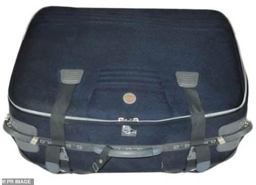 Chiếc vali chứa thi thể người phụ nữ trên sông hé lộ tội ác của chồng cũ và con gái-1