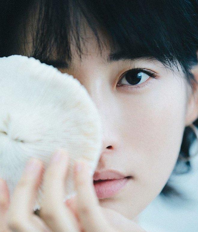 Chiêm ngưỡng dung nhan 2 tiểu tam hot nhất MXH: Cô bên Hàn thuần khiết, nàng bên Trung ngọt ngào-13