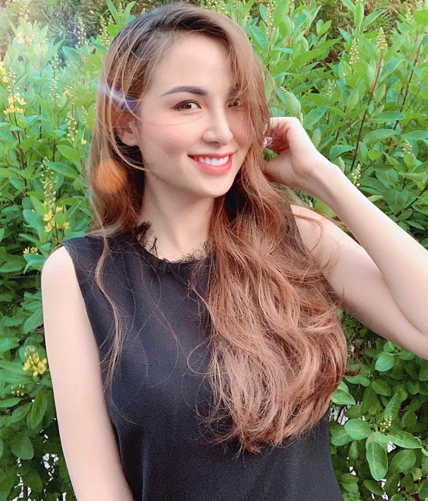 Bản tin Hoa hậu Hoàn vũ 2/5: Nhan sắc Khánh Vân không hợp tiêu chí Miss Universe-9