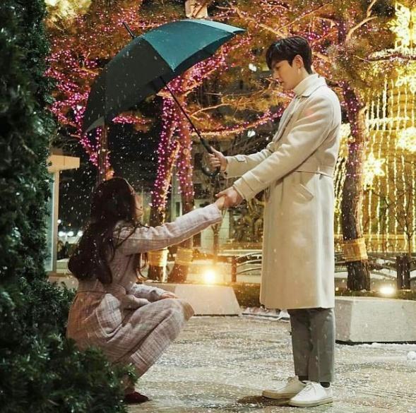 Lee Min Ho đóng phim nào cũng mặc đẹp, dùng đồ hàng hiệu-4