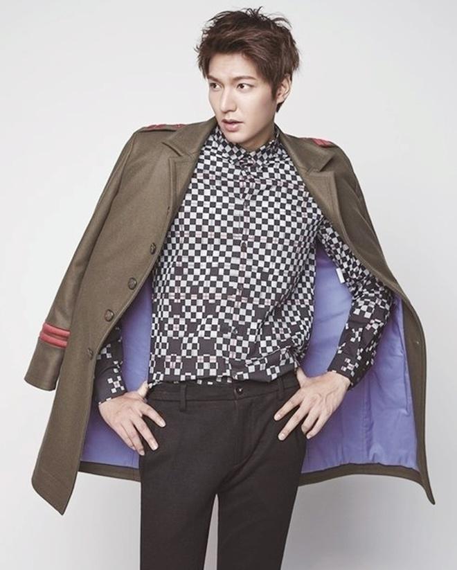 Lee Min Ho đóng phim nào cũng mặc đẹp, dùng đồ hàng hiệu-7