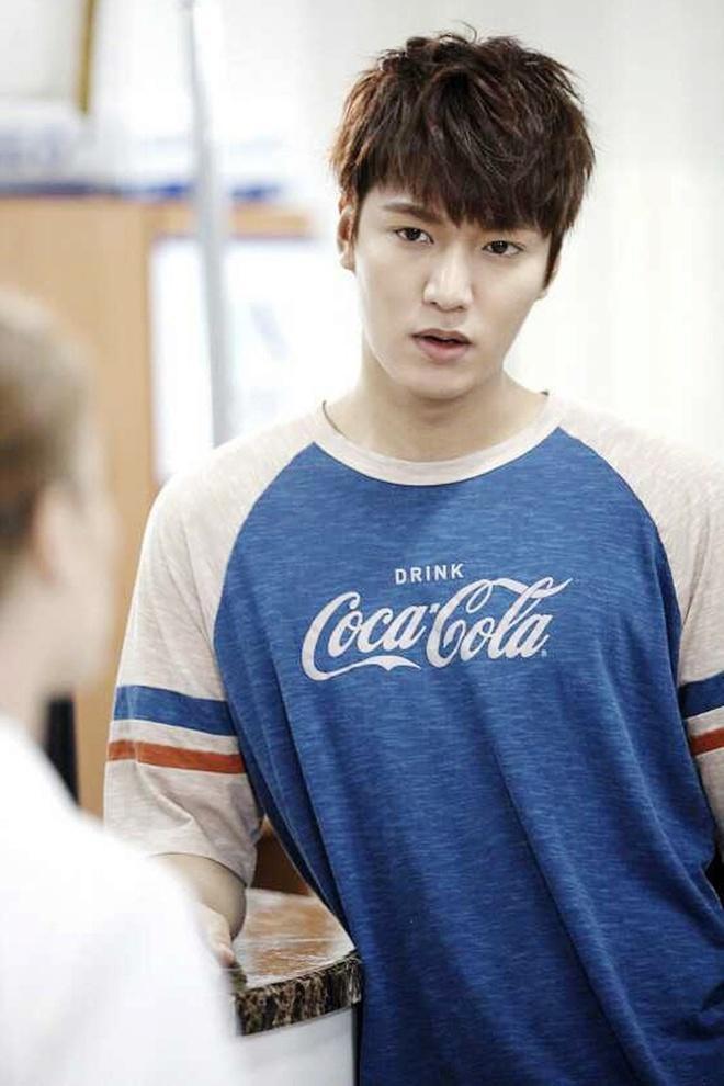 Lee Min Ho đóng phim nào cũng mặc đẹp, dùng đồ hàng hiệu-10