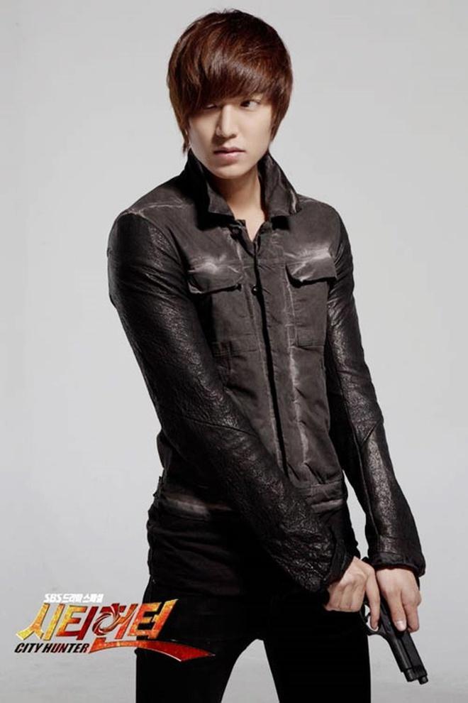 Lee Min Ho đóng phim nào cũng mặc đẹp, dùng đồ hàng hiệu-11