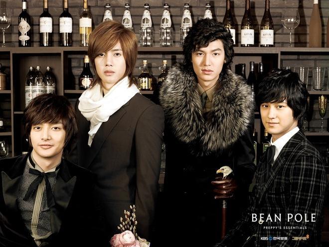 Lee Min Ho đóng phim nào cũng mặc đẹp, dùng đồ hàng hiệu-15