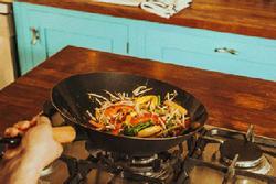 5 thói quen xấu gây bệnh, thậm chí giải phóng chất gây ung thư khi nấu ăn, nhiều người mắc
