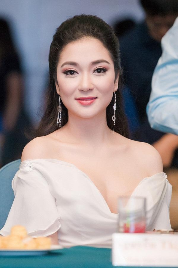 Hoa hậu Việt Nam đẹp nhất thi ứng xử: Tiếng vỗ tay vang dội khán đài vì sự thông minh-5