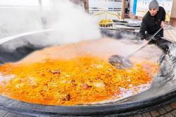 Vạc cơm đủ cho 1.000 người mệnh danh 'vua thức ăn đường phố'