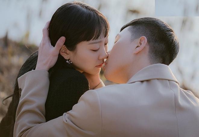 Vì sao nụ hôn của Lee Min Ho bị chê?-10