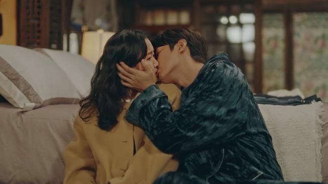 Vì sao nụ hôn của Lee Min Ho bị chê?-11