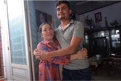 Cô dâu Việt 65 tuổi kết hôn với thanh niên ngoại quốc 24 tuổi: Phản ứng bất ngờ của người thân