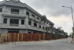 Gói hàng Nguyễn Xuân Đường gửi lên Hà Nội và những lô đất vàng tự nhận sở hữu