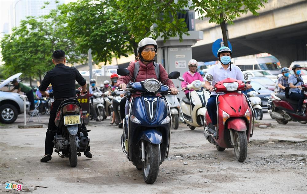 Giao thông Hà Nội, TP.HCM trở lại cảnh rối loạn kể từ đầu mùa dịch-2