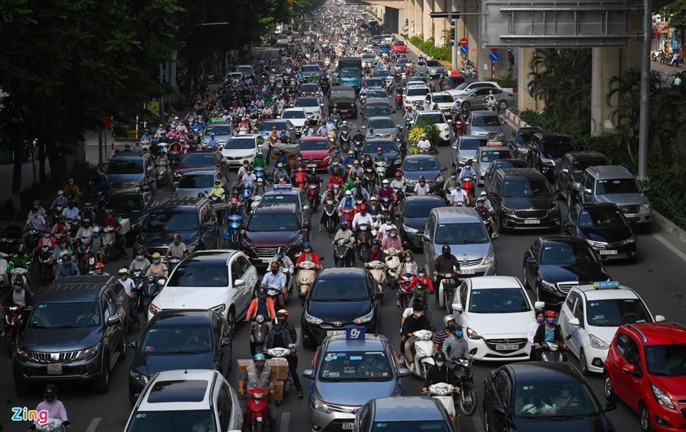 Giao thông Hà Nội, TP.HCM trở lại cảnh rối loạn kể từ đầu mùa dịch-6