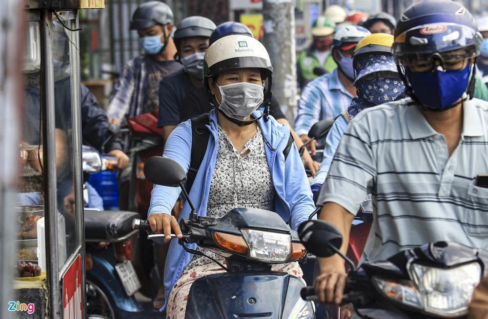 Giao thông Hà Nội, TP.HCM trở lại cảnh rối loạn kể từ đầu mùa dịch-14