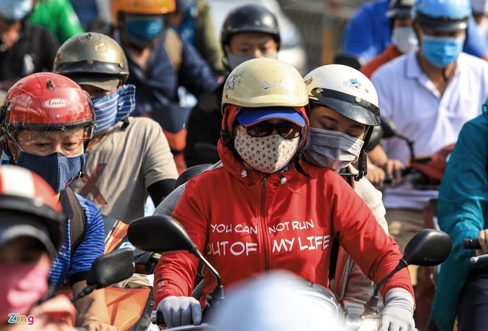 Giao thông Hà Nội, TP.HCM trở lại cảnh rối loạn kể từ đầu mùa dịch-15
